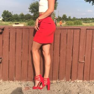 High wasted red pencil skirt